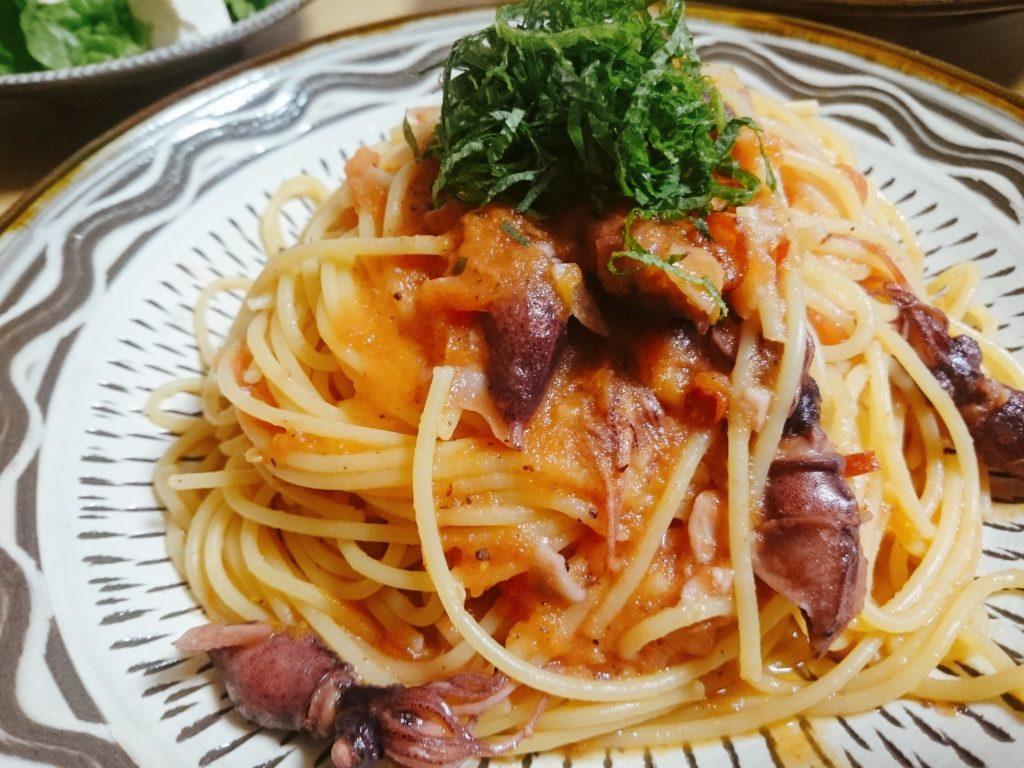 ホタルイカとトマトのペペロンチーノの写真