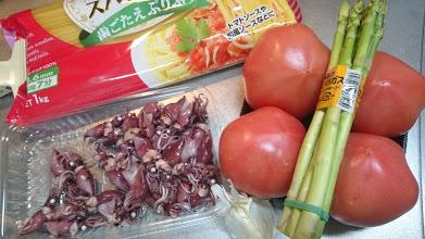ホタルイカとフレッシュトマトのペペロンチーノの材料